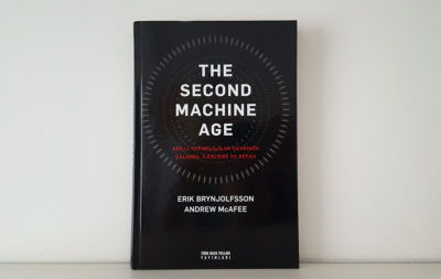 The Second Machine Age (Erik Brynjolfsson, Andrew McAfee)